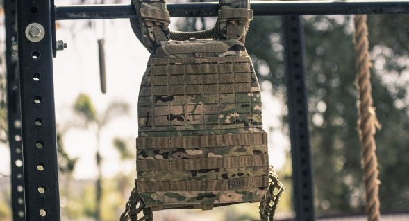 multicam pattern plate carrier hanging on Stand